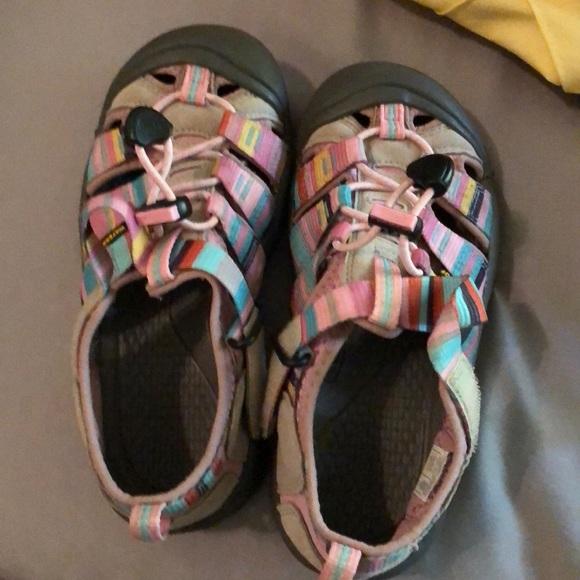 bc7ed4106b7 Keen Shoes | Sandals Like New | Poshmark